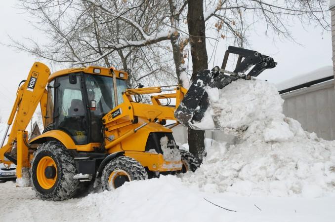 Аренда трактора JCB 3CX для уборки снега — комплексное решение технических задач