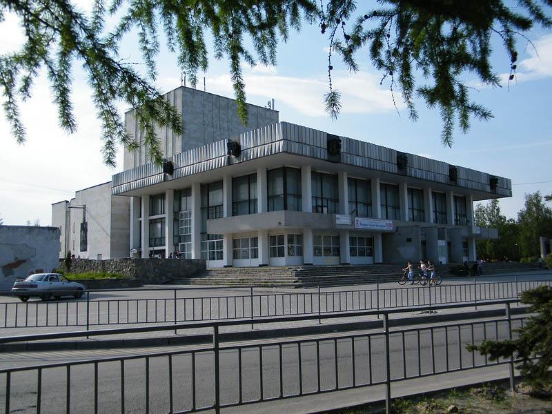 Аренда спецтехники в Дзержинском