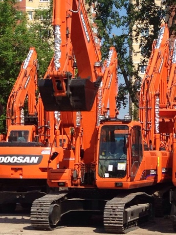 Продажа гусеничного экскаватора Dossan 225 NLC-V 2014 года выпуска