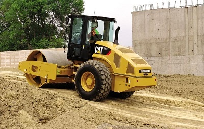 Каток Caterpillar CS56